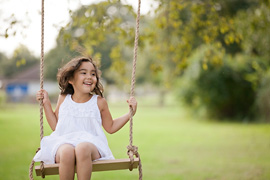 Cypress Children's Photography | swingin' along